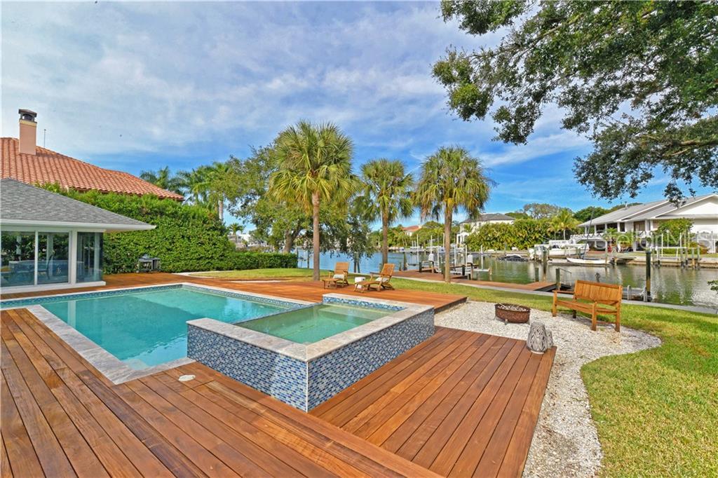 1449 Hillview Dr Sarasota Florida 34239