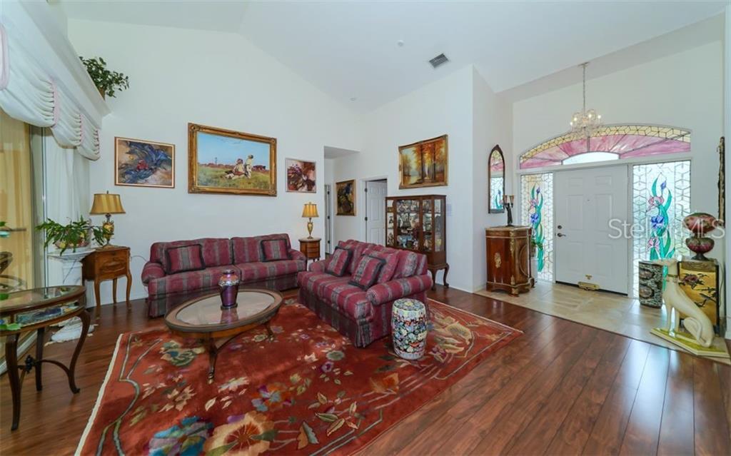 Single Family Home 8647  WOODBRIAR DRIVE , SARASOTA for sale - mls# A4409464
