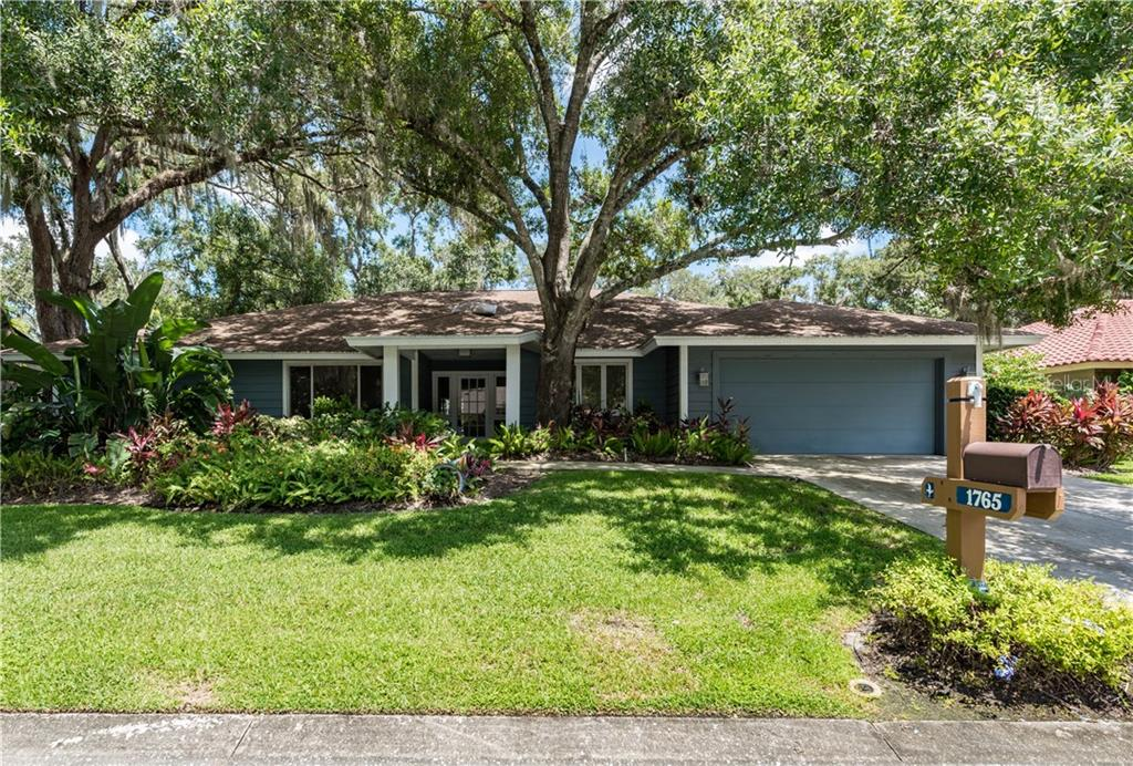 Single Family Home 1765  OAK LAKES DRIVE , SARASOTA for sale - mls# N6101431