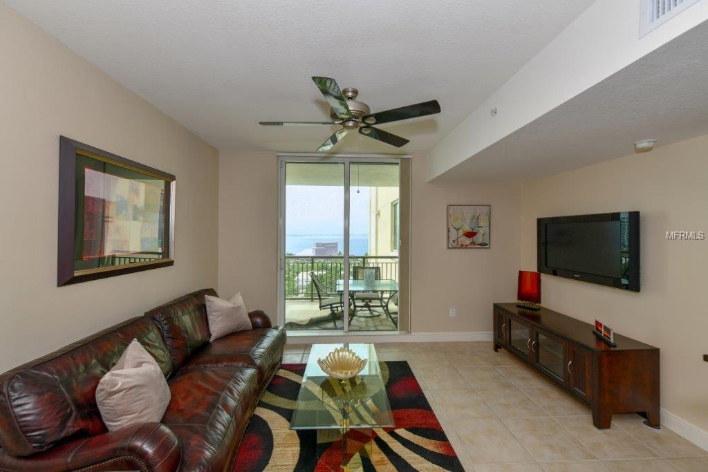 Condo 800 N TAMIAMI TRAIL , SARASOTA for sale - mls# A4415562