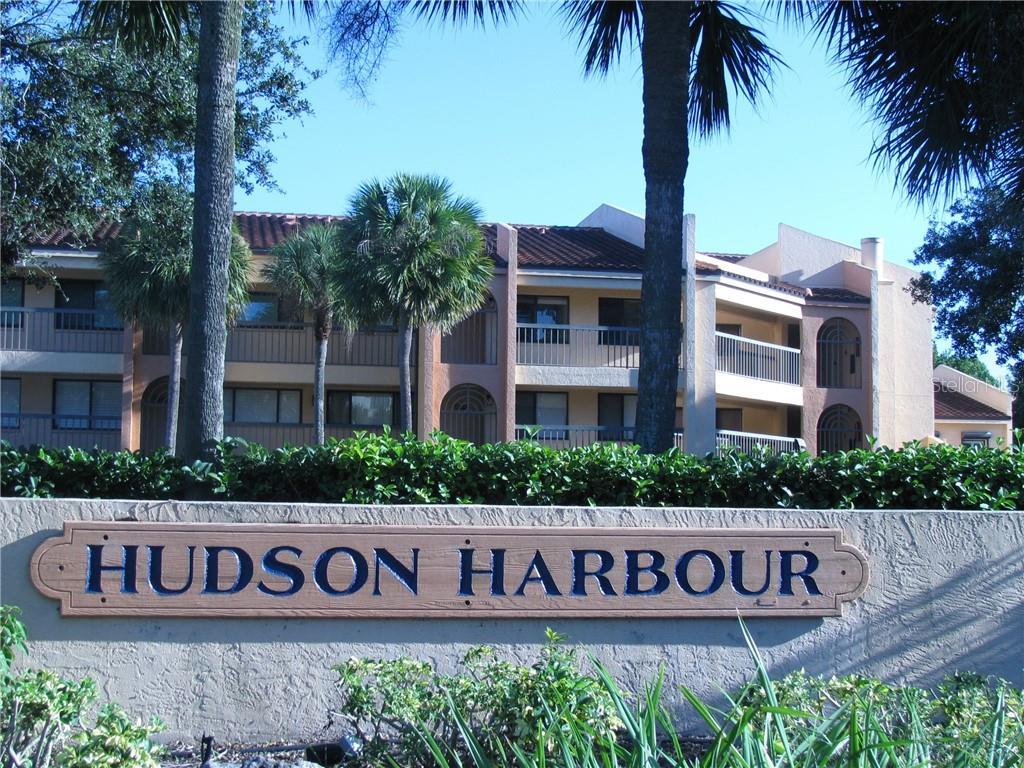 Condo 800  HUDSON AVENUE , SARASOTA for sale - mls# A4418904