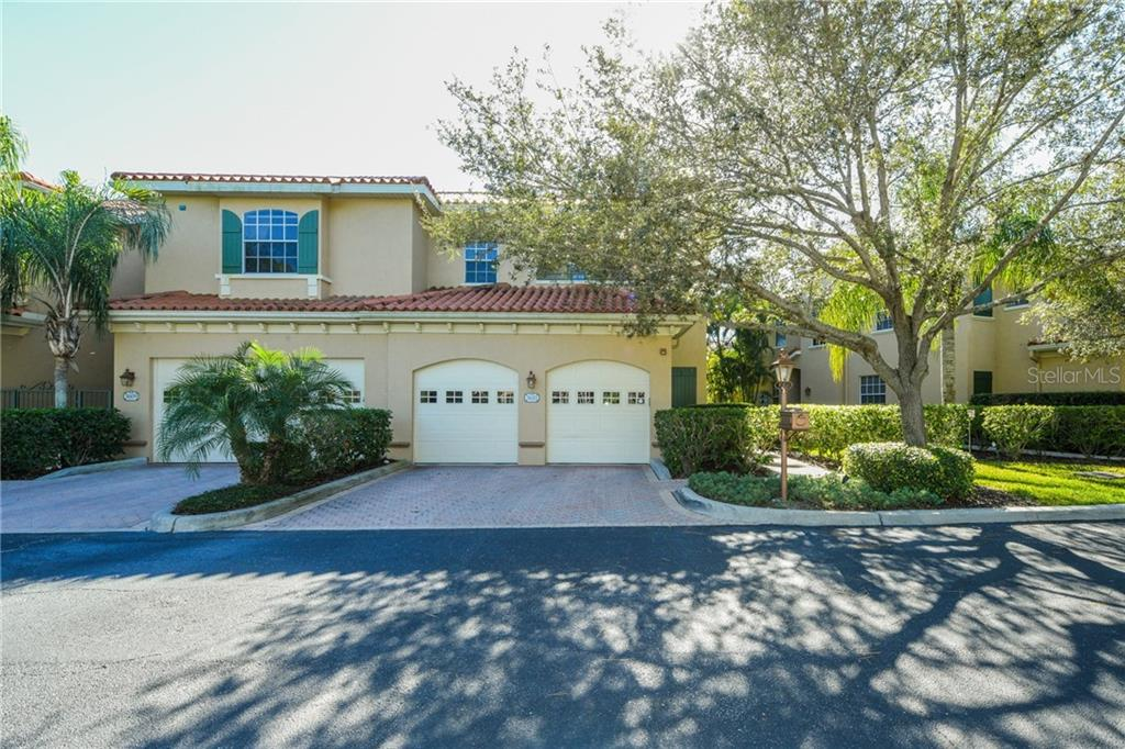 Condo 3611  SQUARE WEST LANE , SARASOTA for sale - mls# A4421172