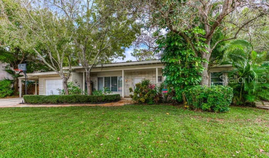 Single Family Home 1509  FLOWER DRIVE , SARASOTA for sale - mls# A4421898