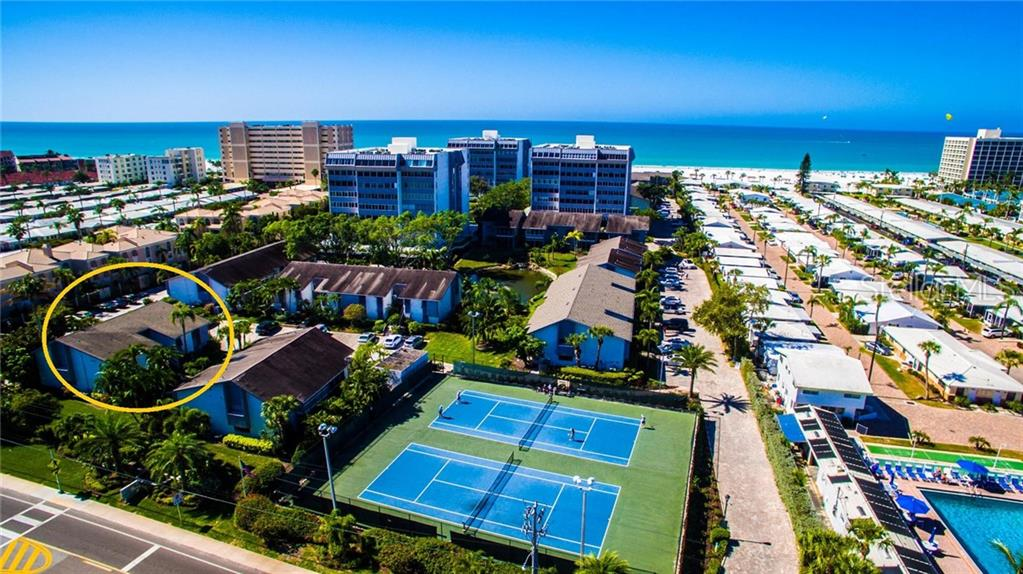 Condo 1156 W PEPPERTREE DRIVE , SARASOTA for sale - mls# A4423109