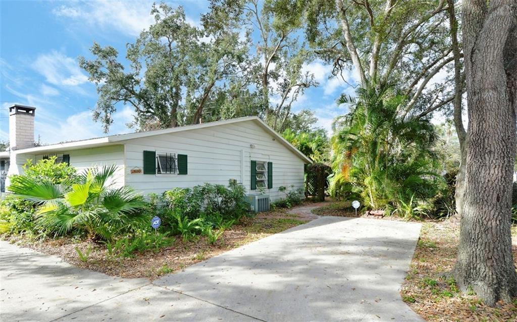 335 S Tuttle Ave Sarasota Florida 34237