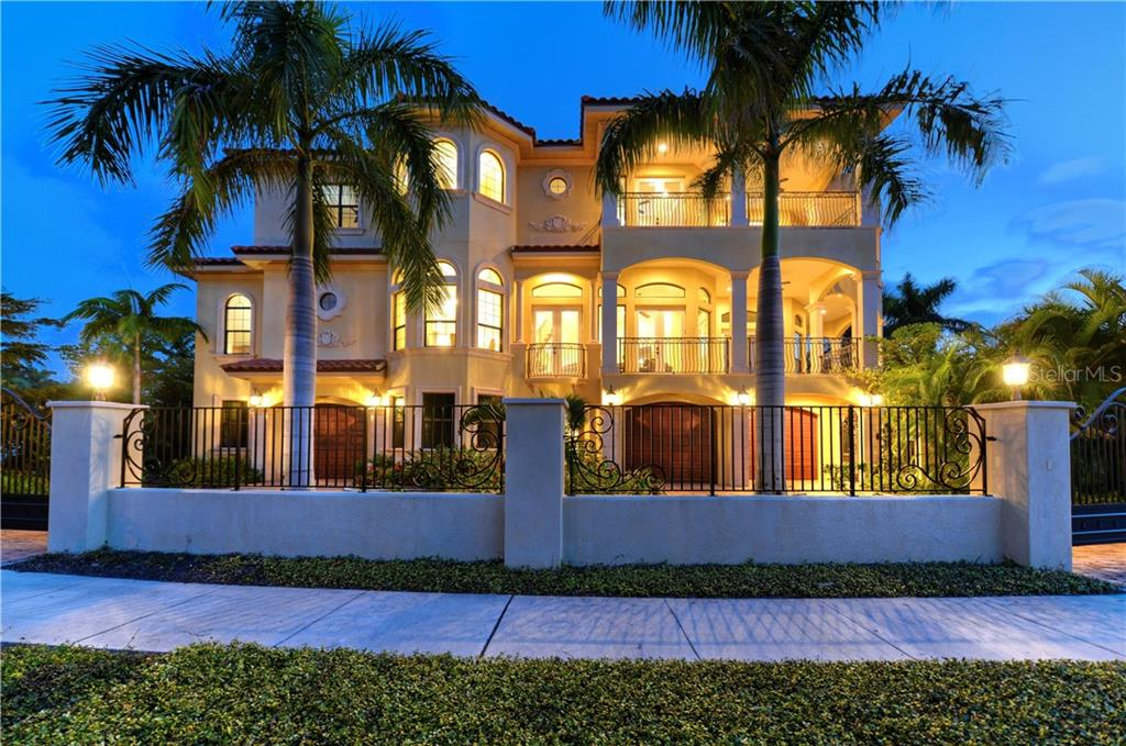263 N Washington Dr Sarasota Florida 34236