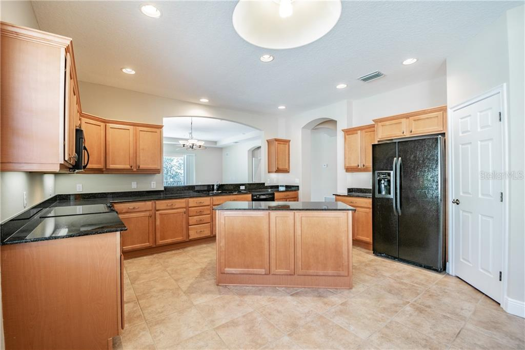Condo 6416  MOORINGS POINT CIRCLE , LAKEWOOD RANCH for sale - mls# A4425062