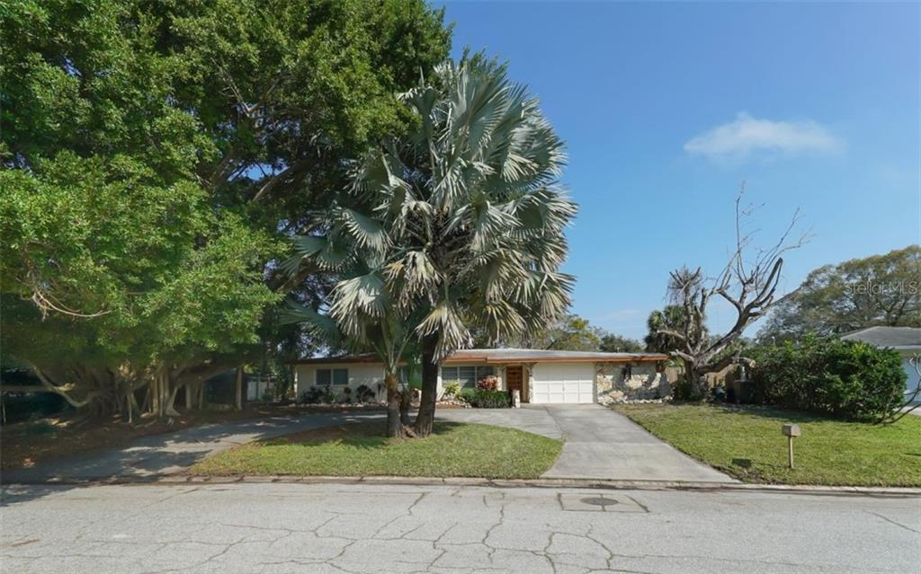 2451 Wisteria St Sarasota Florida 34239