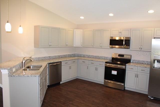 Single Family Home 2942  HAWTHORNE STREET , SARASOTA for sale - mls# A4427604