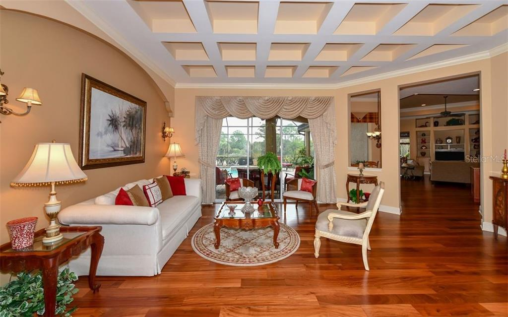 Single Family Home 8883  BLOOMFIELD BOULEVARD , SARASOTA for sale - mls# A4429600