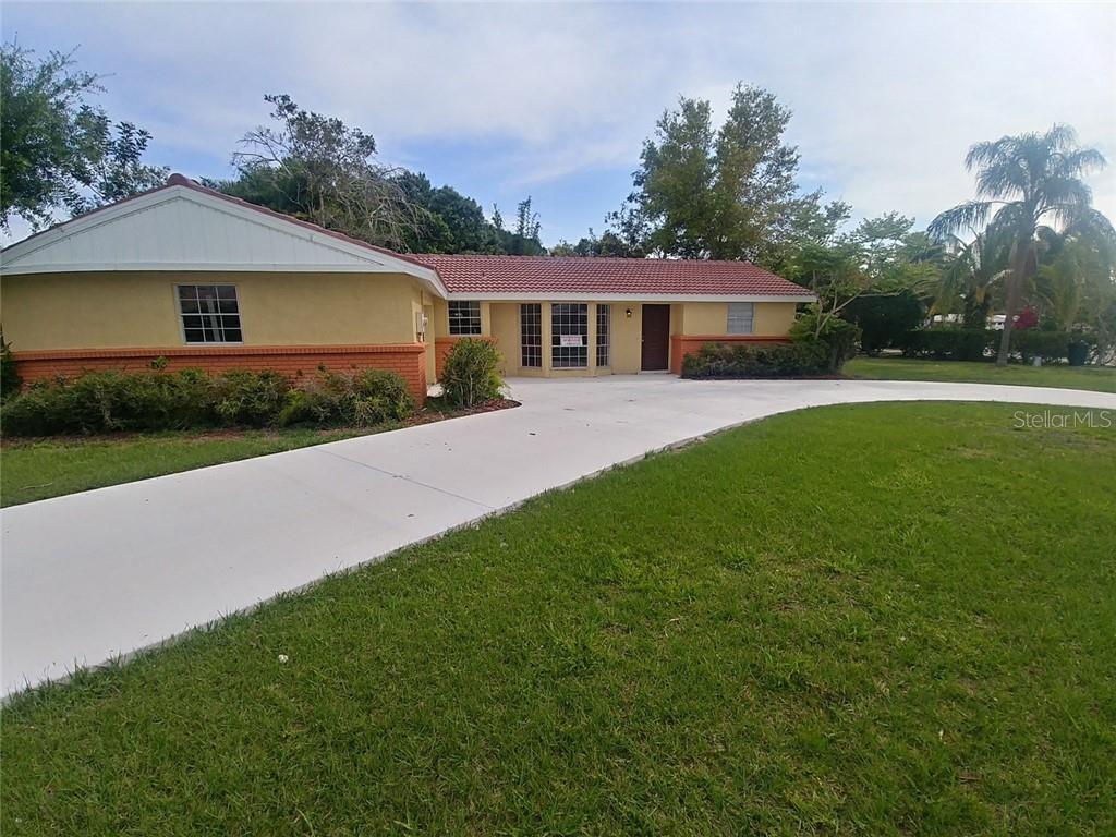 3423 Pine Valley Dr Sarasota Florida 34239