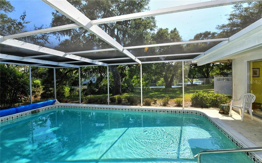 1555 Eastbrook Dr Sarasota Florida 34231