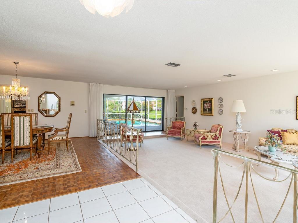 Single Family Home 3644  TORREY PINES BOULEVARD , SARASOTA for sale - mls# A4432871