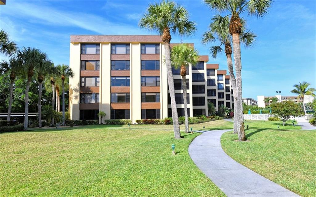 Condo 8773  MIDNIGHT PASS ROAD , SARASOTA for sale - mls# A4433918