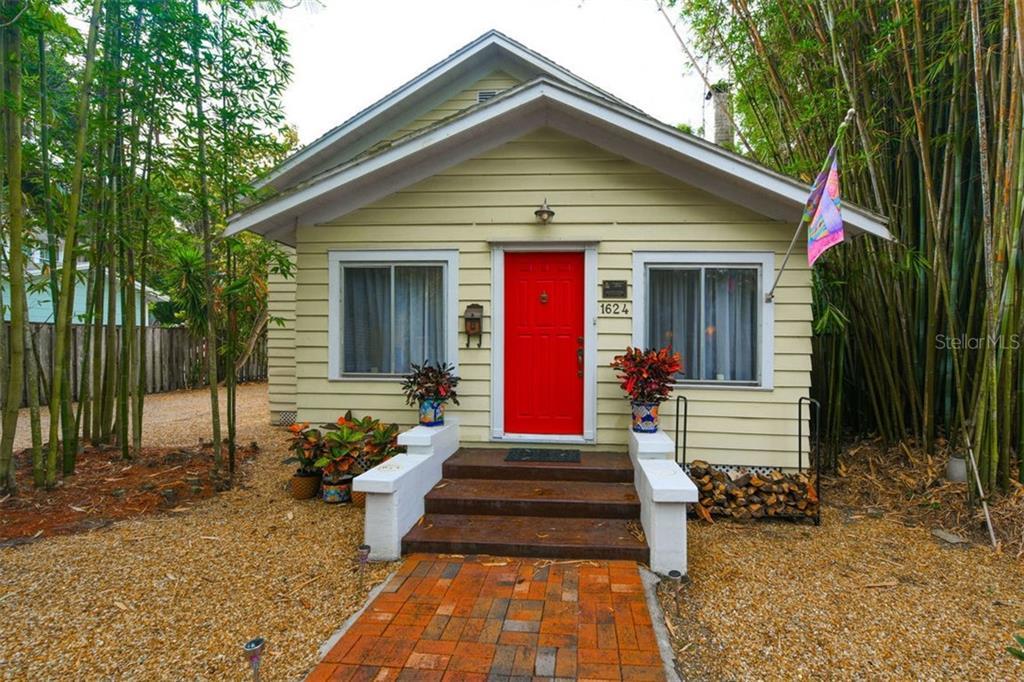 1624 Hillview St Sarasota Florida 34239