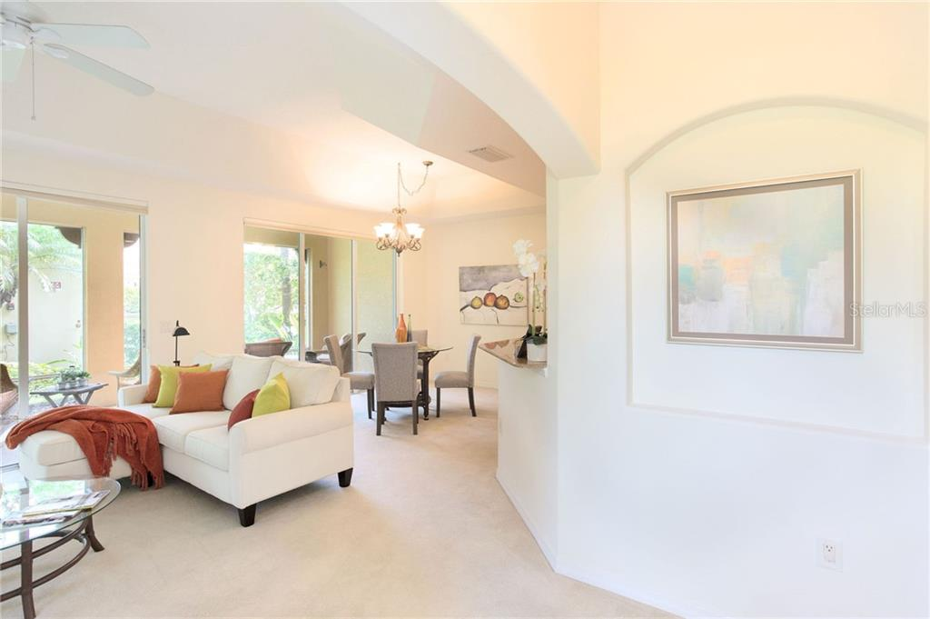 Condo 3651  SQUARE WEST LANE , SARASOTA for sale - mls# A4436122