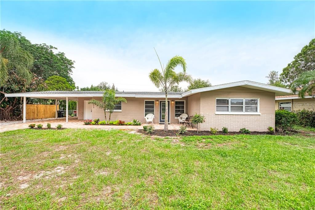 Single Family Home 2255  SUNNYSIDE PLACE , SARASOTA for sale - mls# O5784530