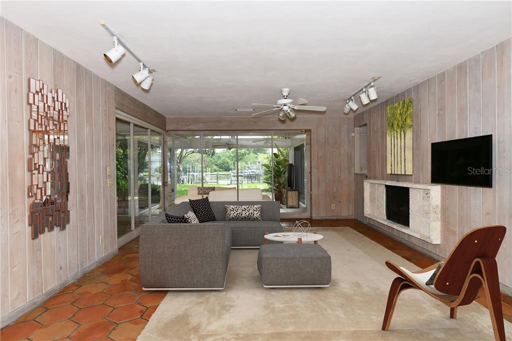 Single Family Home 1515  HILLVIEW DRIVE , SARASOTA for sale - mls# A4436565