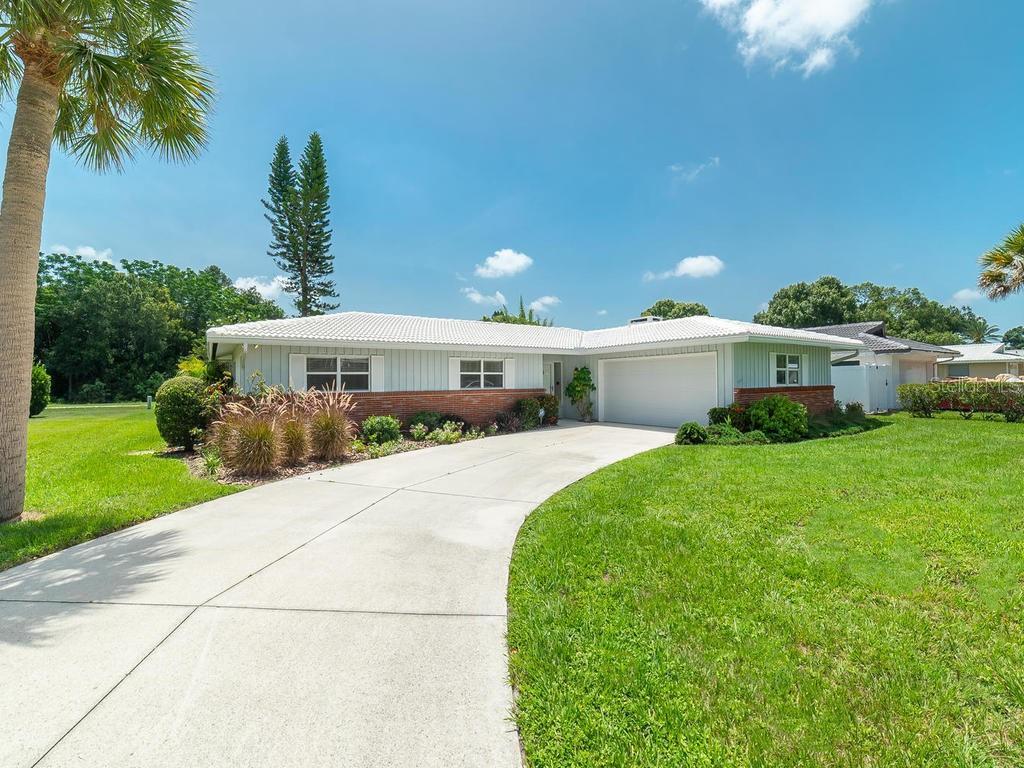 Single Family Home 2479  ESPANOLA AVENUE , SARASOTA for sale - mls# A4437458