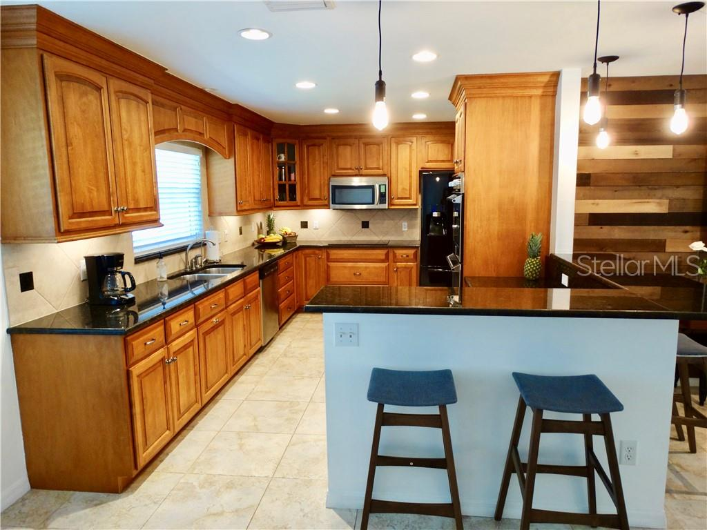 Single Family Home 2933  UPPER TANGELO DRIVE , SARASOTA for sale - mls# A4438481