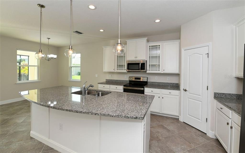 Single Family Home 6392  MIGHTY EAGLE WAY , SARASOTA for sale - mls# A4438546