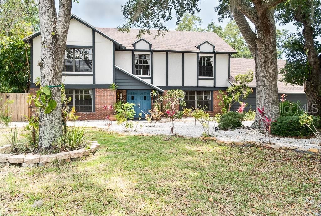 Single Family Home 5646  BENEVA WOODS CIRCLE , SARASOTA for sale - mls# A4438817