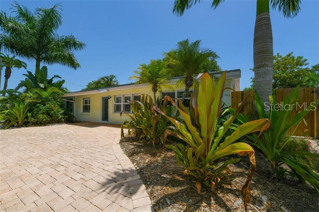 2446 Grove St Sarasota Florida 34239