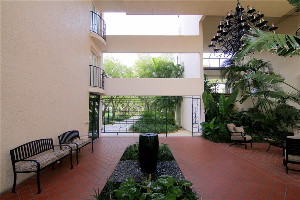 Condo 6263  MIDNIGHT PASS ROAD , SARASOTA for sale - mls# A4439377