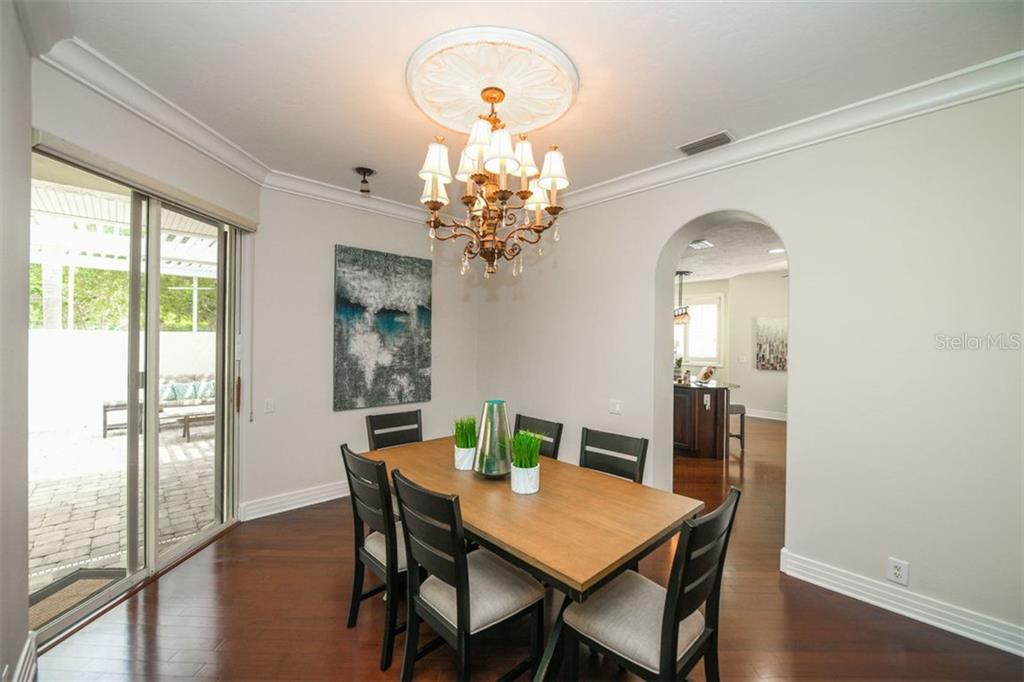 Single Family Home 7789  CLUB LANE , SARASOTA for sale - mls# N6106346