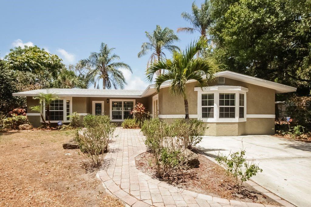 2139 Hyde Park Cir Sarasota Florida 34239
