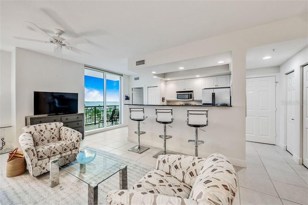 Condo 800 N TAMIAMI TRAIL , SARASOTA for sale - mls# A4442479
