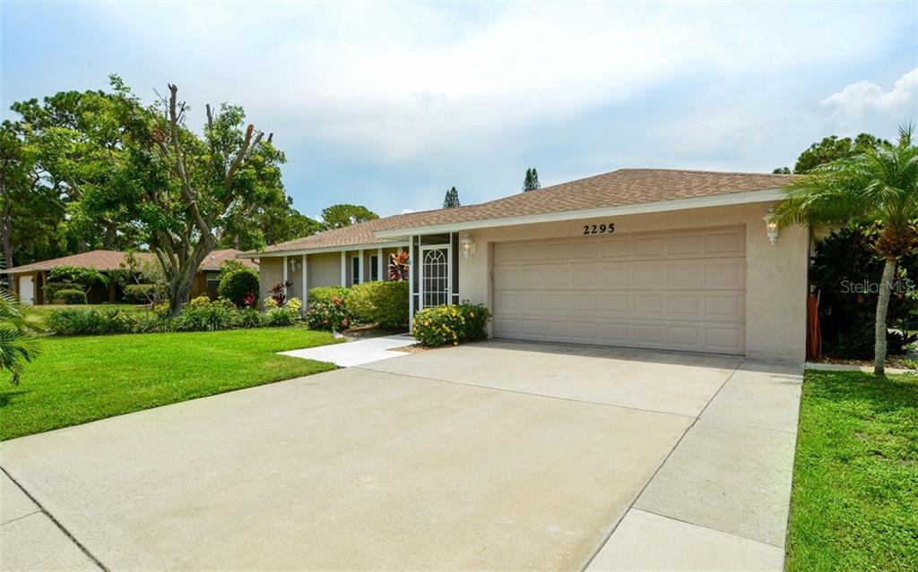 2295 Pine View Cir Sarasota Florida 34231