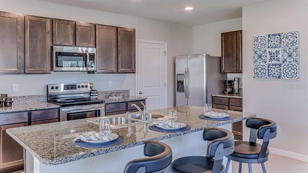 Single Family Home 5929  SILVER SAGE WAY , SARASOTA for sale - mls# T3192428