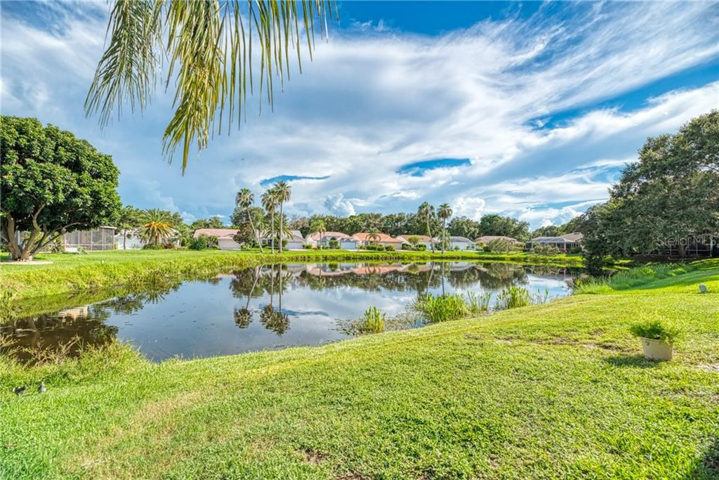 Single Family Home 9590  KNIGHTSBRIDGE CIRCLE , SARASOTA for sale - mls# A4443508