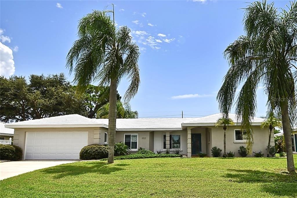 1952 Mid Ocean Cir Sarasota Florida 34239