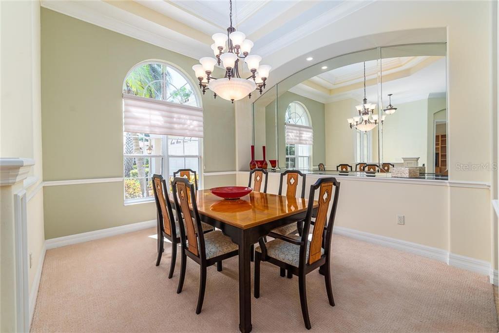 Single Family Home 7137  ASHLAND GLEN , LAKEWOOD RANCH for sale - mls# A4445333