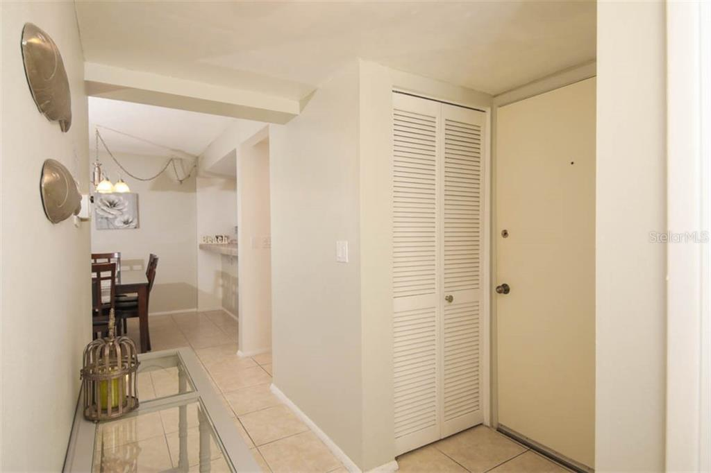 Condo 6157  MIDNIGHT PASS ROAD , SARASOTA for sale - mls# A4445344