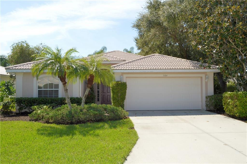 Single Family Home 5104  BROOKSBEND CIRCLE , SARASOTA for sale - mls# A4445633