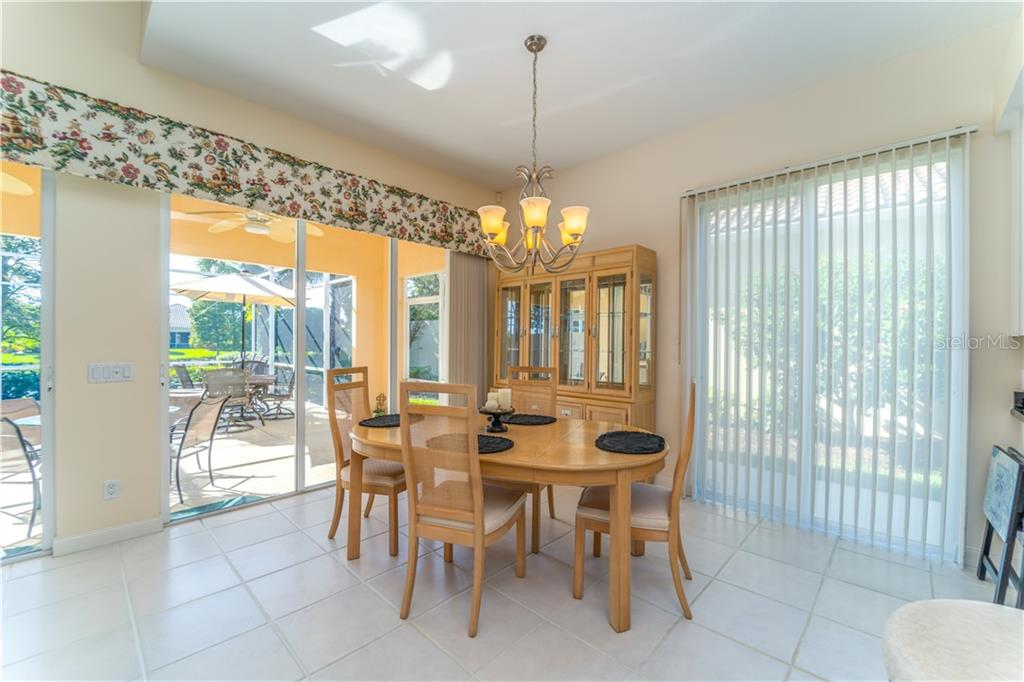 Single Family Home 5562  OCTONIA PLACE , SARASOTA for sale - mls# A4446149