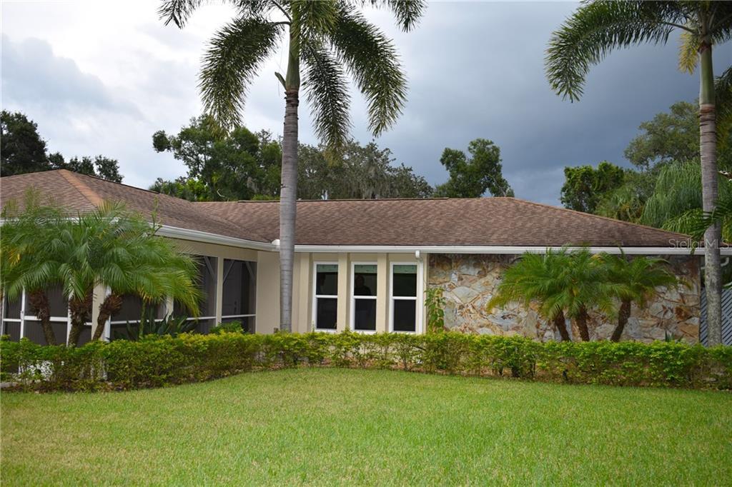 214 Whispering Oaks Ct Sarasota Florida 34232