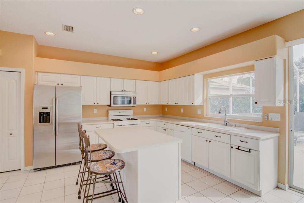 Single Family Home 4876  SABAL LAKE CIRCLE , SARASOTA for sale - mls# A4447707