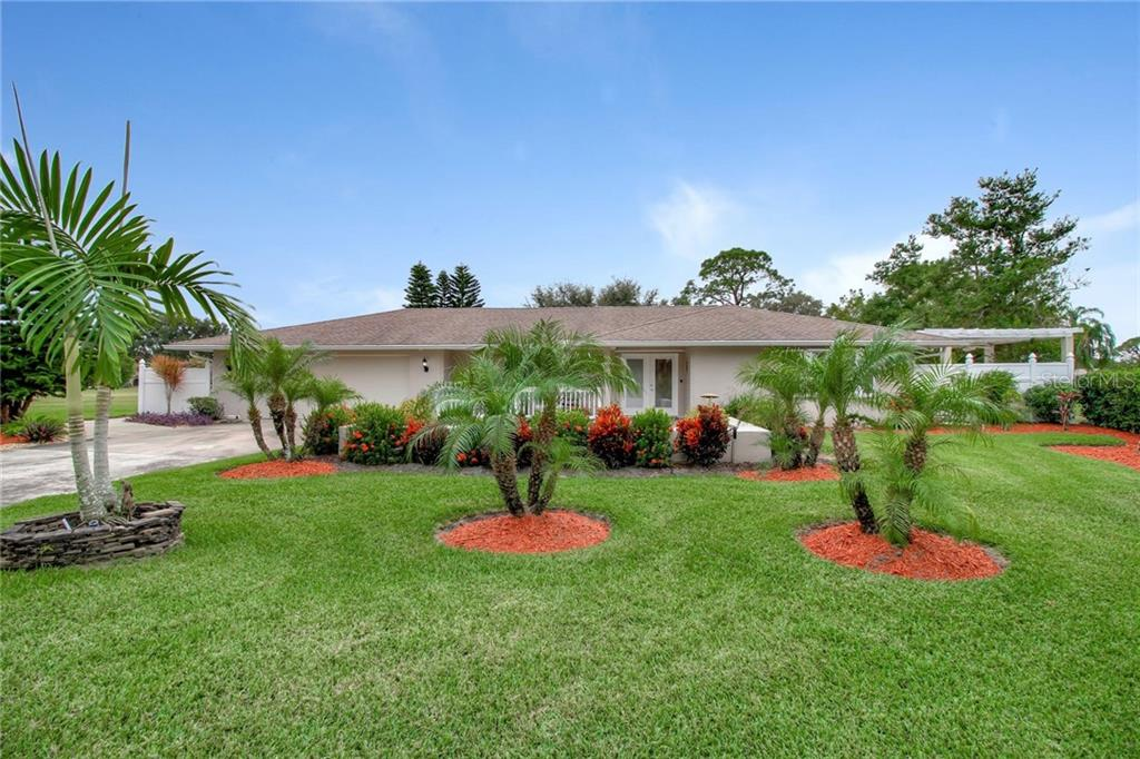 Single Family Home 5036  INVERNESS DRIVE , SARASOTA for sale - mls# T3209003