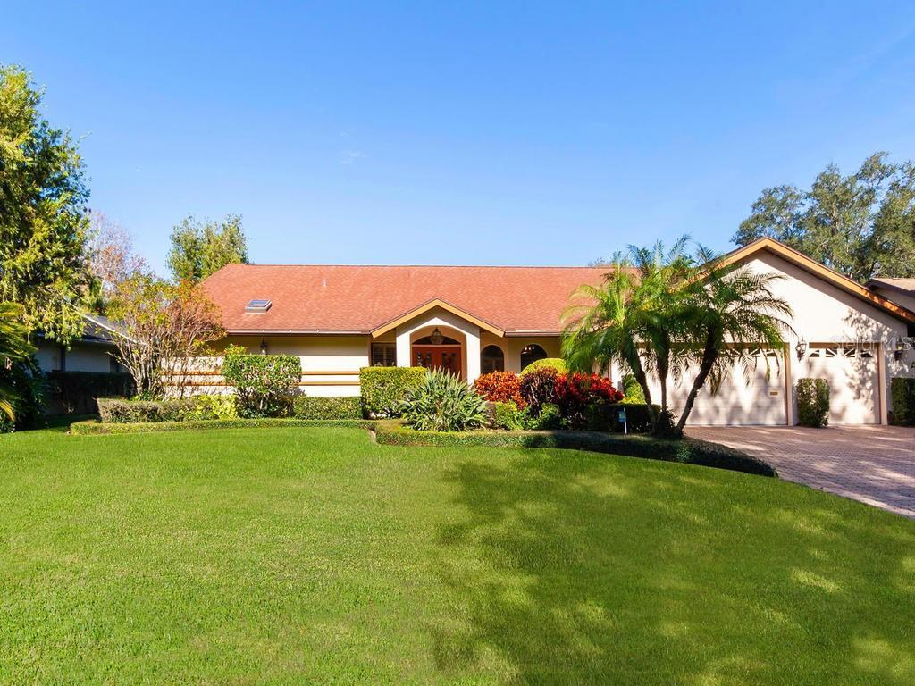 Single Family Home 1740  OAK LAKES DRIVE , SARASOTA for sale - mls# A4452132