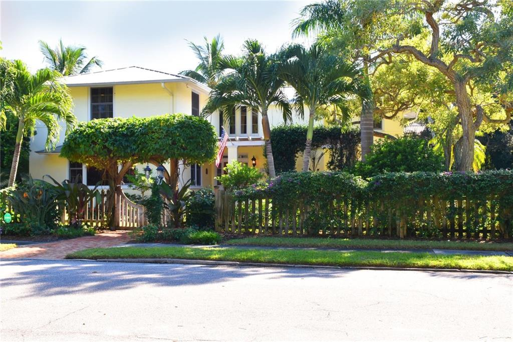 Home for sale at 1562 South Dr Sarasota Florida 34239, contact Berkshire Hathaway HomeServices real estate agent Bev Murray