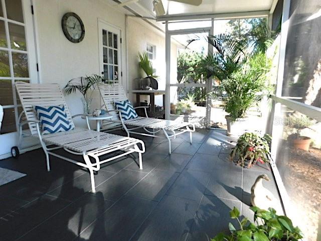 Single Family Home 2137 S SHADE AVENUE , SARASOTA for sale - mls# A4454117
