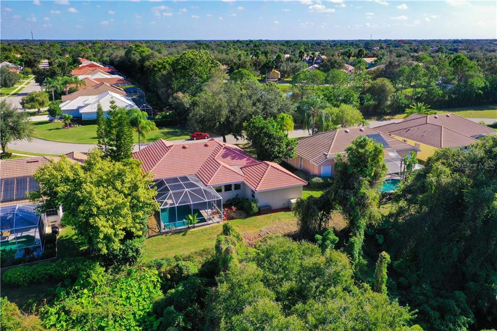 Single Family Home 7106  SOUTHGATE COURT , SARASOTA for sale - mls# A4454322