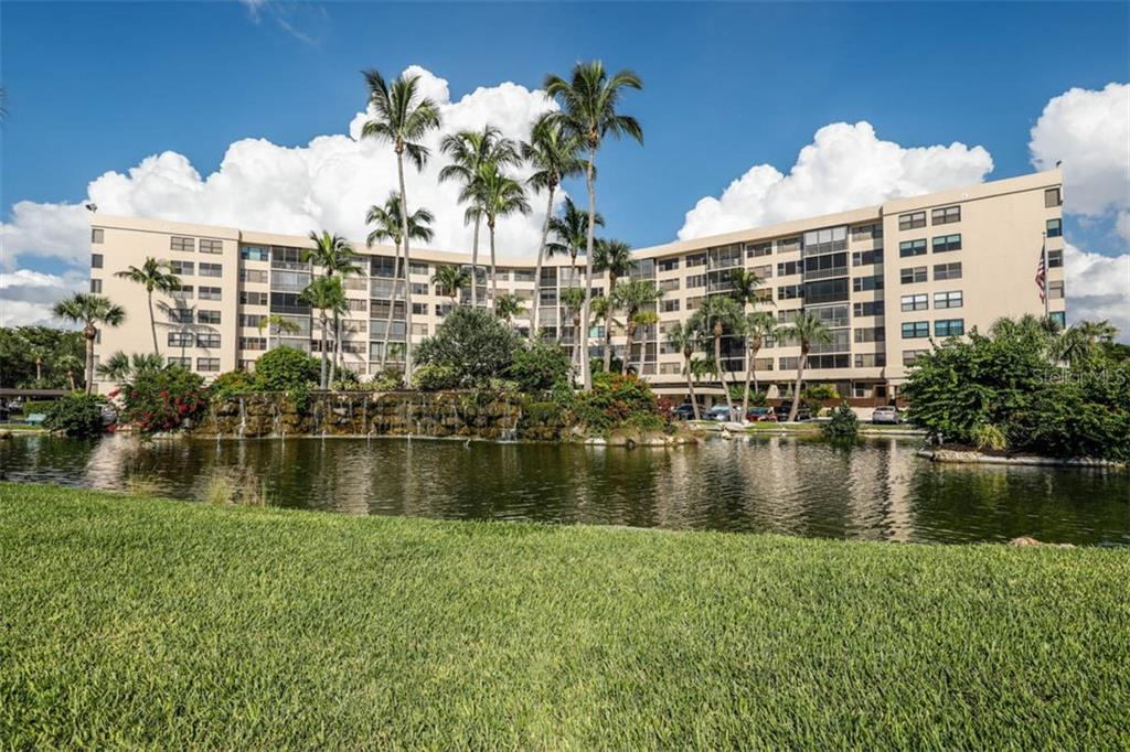 Condo 5855  MIDNIGHT PASS ROAD , SARASOTA for sale - mls# A4455947