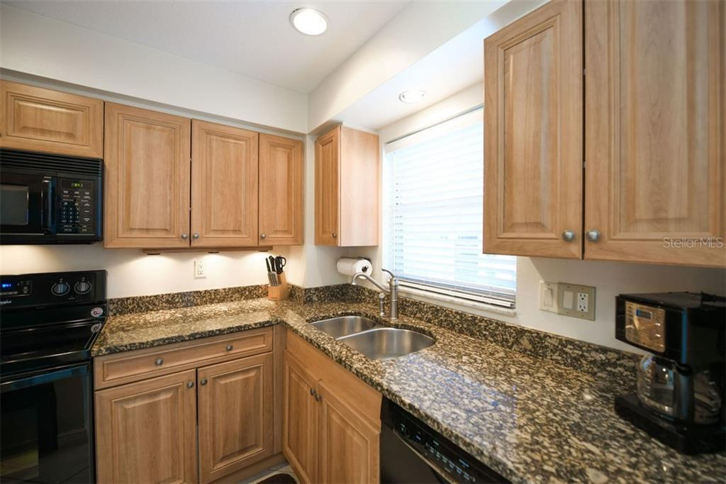 Condo 6727  MIDNIGHT PASS ROAD , SARASOTA for sale - mls# A4456022