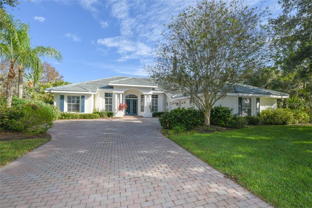 Single Family Home 4799  HANGING MOSS LANE , SARASOTA for sale - mls# A4456550