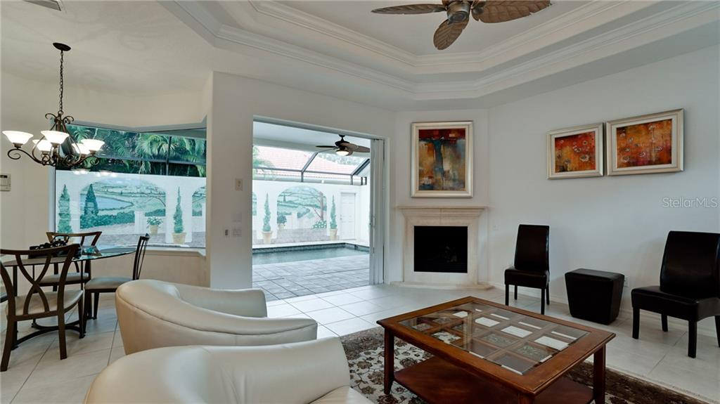 Single Family Home 8324  CANARY PALM COURT , SARASOTA for sale - mls# A4456652